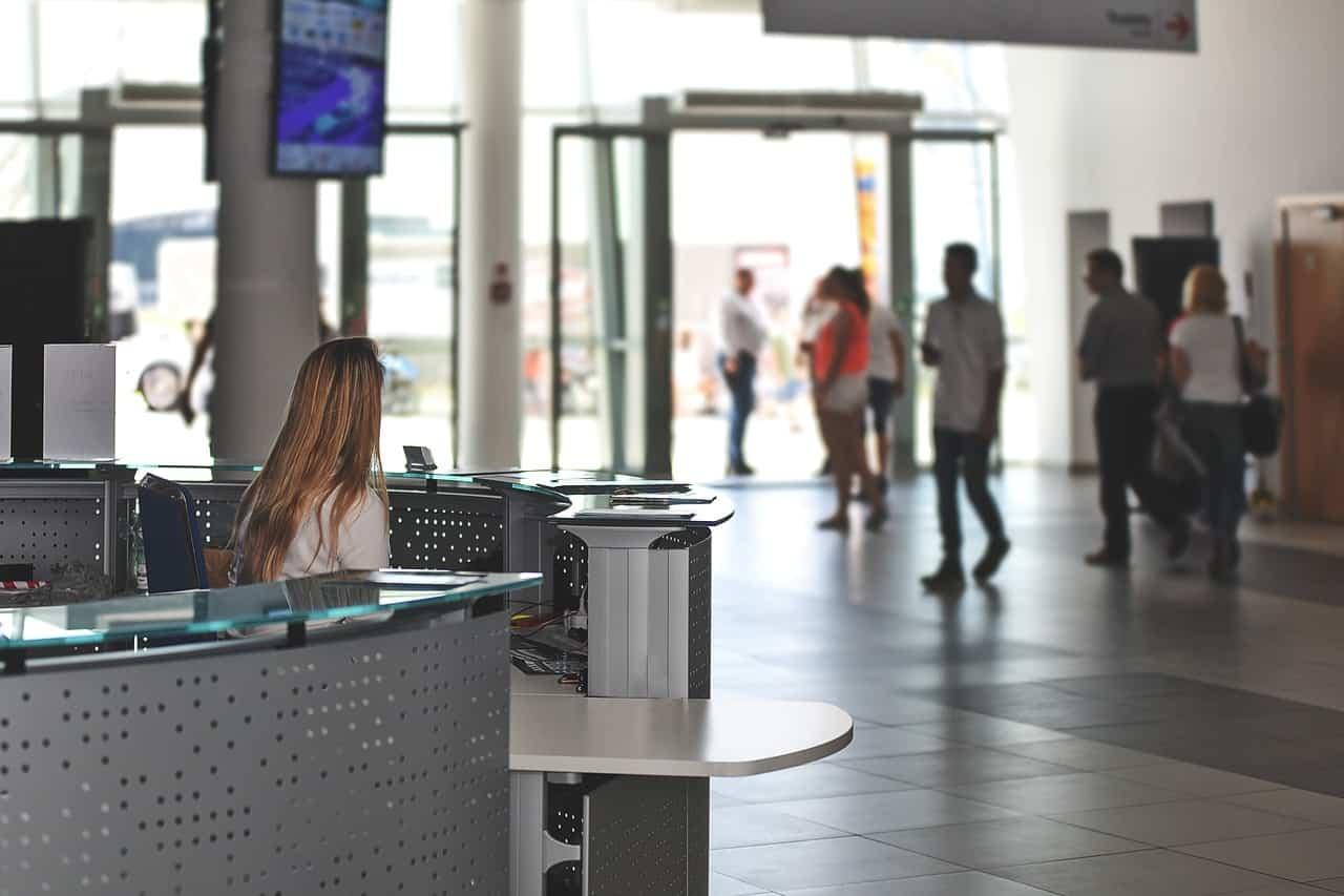 受付システムおすすめ3選!iPad・タッチパネルで無人化&効率化!