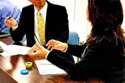 会議で反論するときの作法。怒鳴り合いにならないために注意することは?